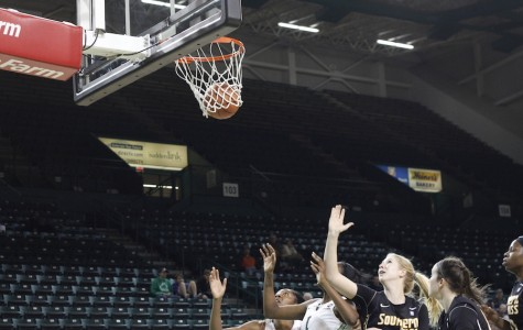 Herd women come back to win second straight