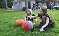 The Greater Huntington Parks and Recreation District hosted pumpkin painting