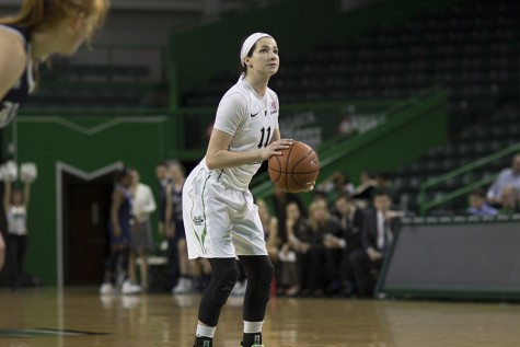 Women's basketball attempts to even conference record