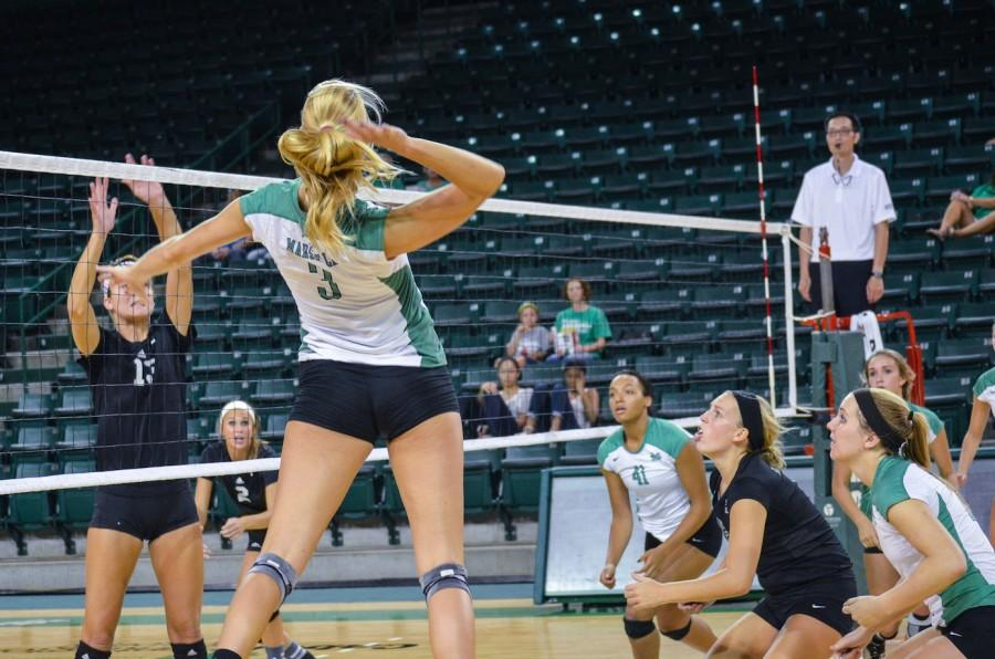Marshall+Volleyball+beats+FAU+3-2+in+thrilling+fashion