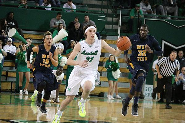 Thundering+Herd+Men%27s+Basketball+defeats+WVU+tech%2C+87-65%2C+Tuesday+night+at+the+Cam+Henderson+Center.+