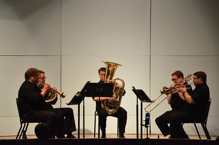 Marshall+faculty+perform+as+a+quintet+Wednesday+in+Smith+Recital+Hall.+Performers+include+Steven+Trinkle+%28trumpet%29%2C+left%2C+Stephen+Lawson+%28French+horn%29%2C+George+Palton+%28tuba%29%2C+Michael+Stroeher+%28trombone%29+and++Martin+Saunders+%28trumpet%29.++