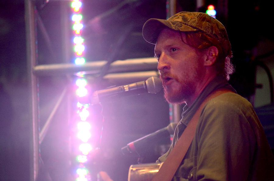 Tyler+Childers+and+the+Food+Stamps+performs+at+the+sixth+annual+Huntington+Music+and+Arts+Festival+Saturday.+