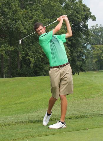 Golf team finishes near last in invitational