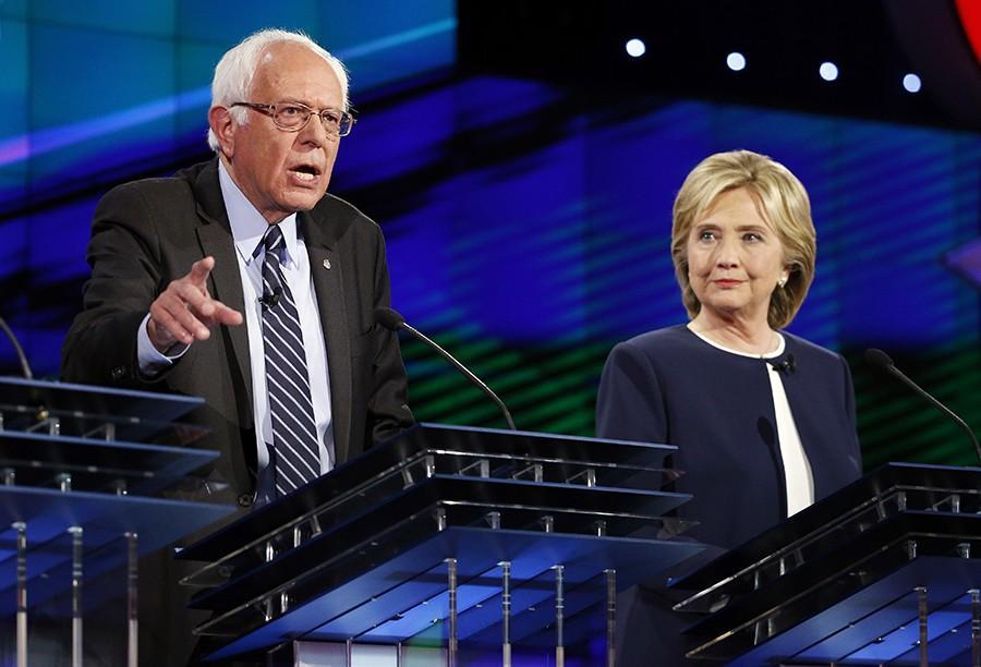 Hillary+Rodham+Clinton%2C+right%2C+looks+on+as+Sen.+Bernie+Sanders%2C+of+Vermont%2C+speaks+during+the+CNN+Democratic+presidential+debate+Tuesday%2C+Oct.+13%2C+2015%2C+in+Las+Vegas.+%28AP+Photo%2FJohn+Locher%29