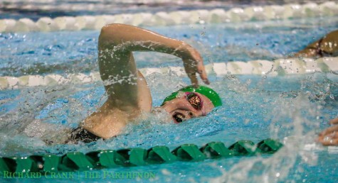 Swimming and diving team remains undefeated
