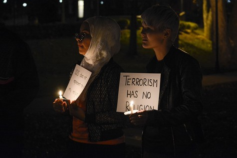 Muslim Students Association organizes candlelight vigil
