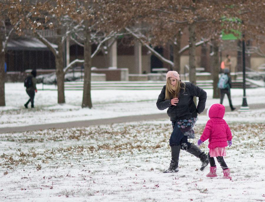 Students rage aganst the winter weather this morning, January 20, on campus.
