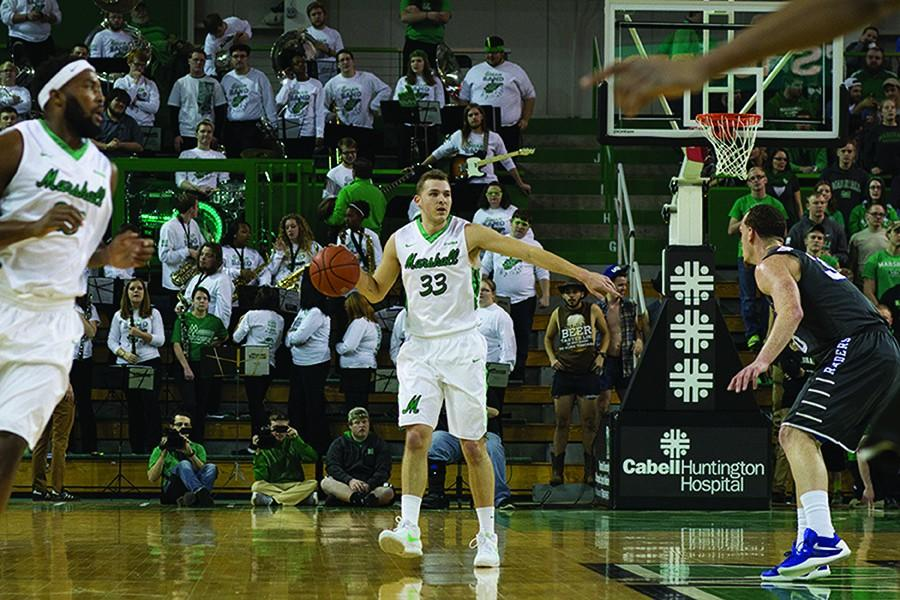 Sophomore+guard+Jon+Elmore+directs+the+offense+against+Middle+Tennessee+State+University+Jan.+28.+