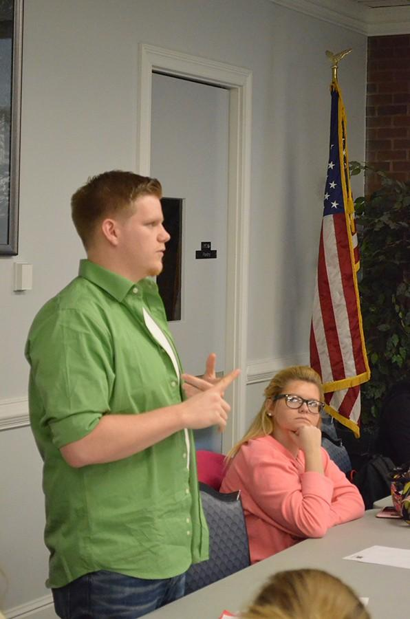Sen.+Jacob+Lovejoy+expresses+his+concerns+about+the+new+meal+plan+options+to+the+senate+during+Tuesday%27s+SGA+meeting.