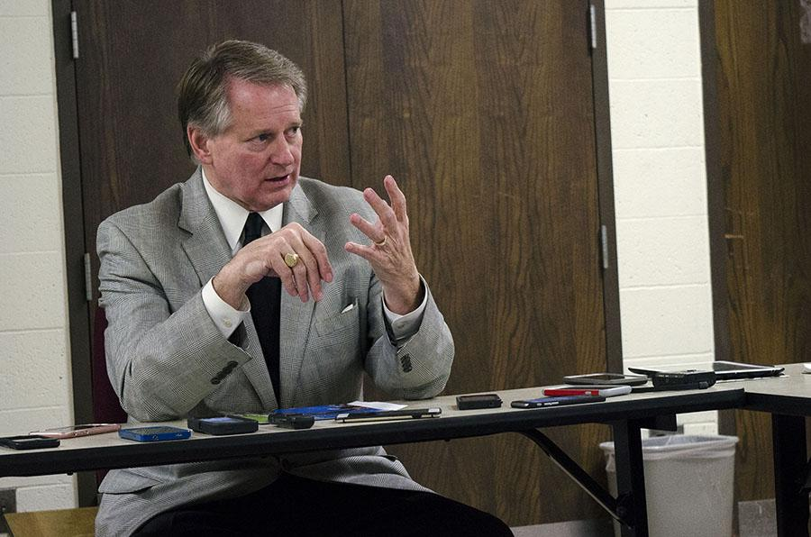 Huntington Mayor Steve Williams speaks to journalism students Wednesday in Smith Hall.