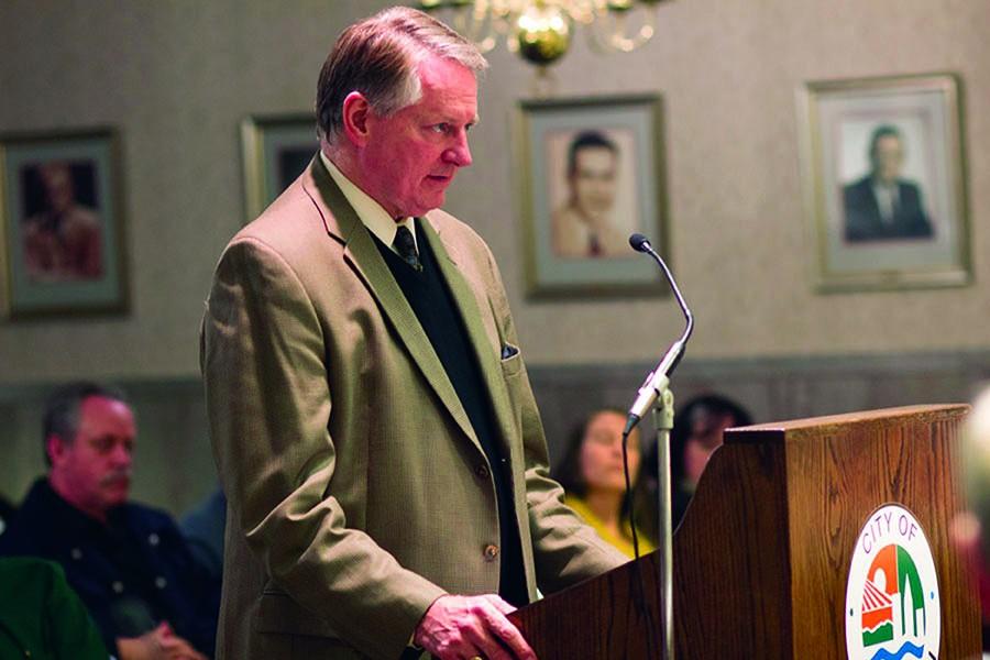 Huntington+Mayor+Steve+Williams+addresses+City+Council+January+25.