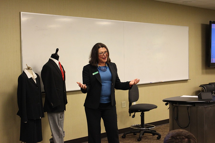 Denise+Hogsett%2C+director+of+Career+Servies%2C+discusses+the+importance+of+dressing+professionally.+