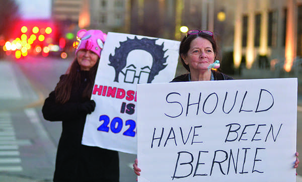 Rally+goers+form+around+the+Charleston+Municipal+Auditorium+in+support+of+Sen.+Bernie+Sander%27s+address+for+several+hours+before+his+arrival+on+February+12%2C+2016.