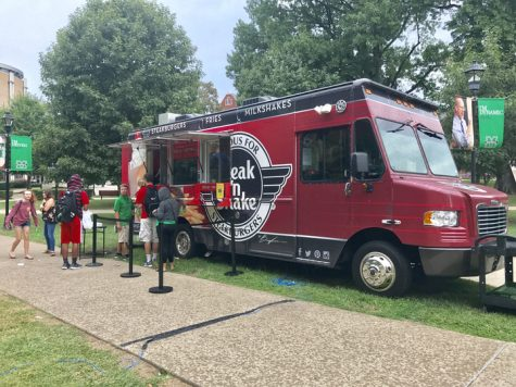 Food truck shakes up students' lunch options