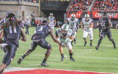 Yurachek's three touchdown grabs help Thundering Herd upend Bearcats