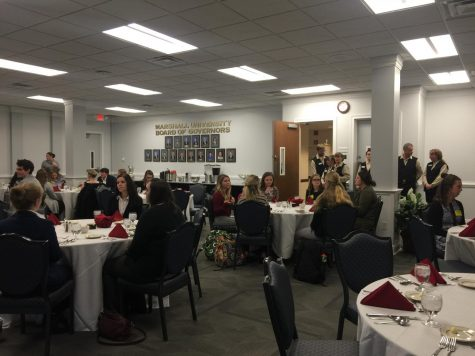 Students learn what to 'bring to the table' at Career Services Etiquette Dinner