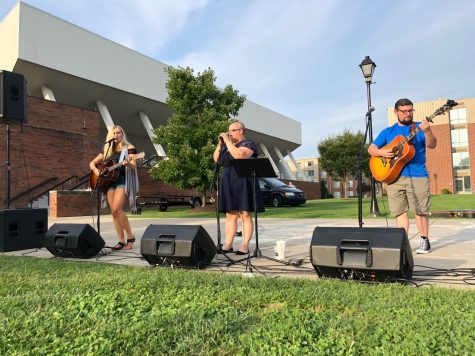 Marshall University students experience their community during Taste of Huntington event