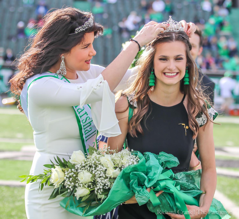 Miss Marshall 2017, Emily Kinner, crowning Miss Marshall 2018 Jessica Yurkovich.