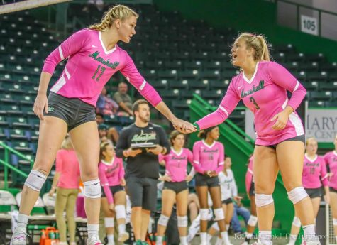 Volleyball team faces WKU in quarterfinals