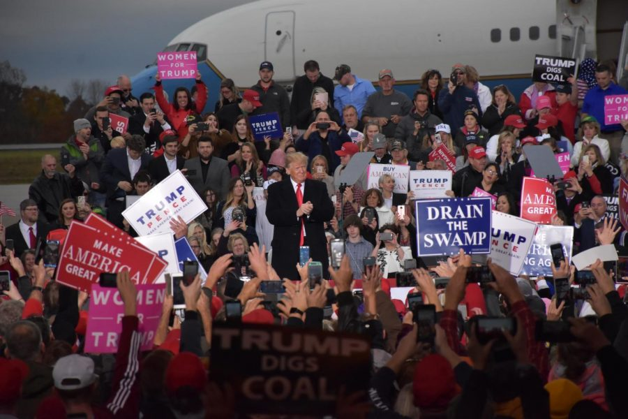 President+Donald+Trump+addresses+the+crowd+on+Friday%2C+Nov.+2%2C+at+the+Huntington+Tri-State+Airport.