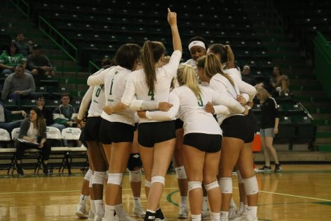 Rice volleyball handles North Texas, advances to championship