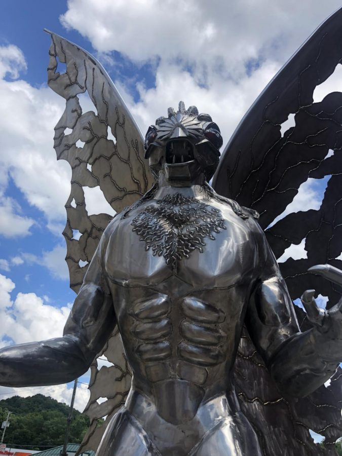 A+statue+of+Mothman+is+in+Point+Pleasant.+