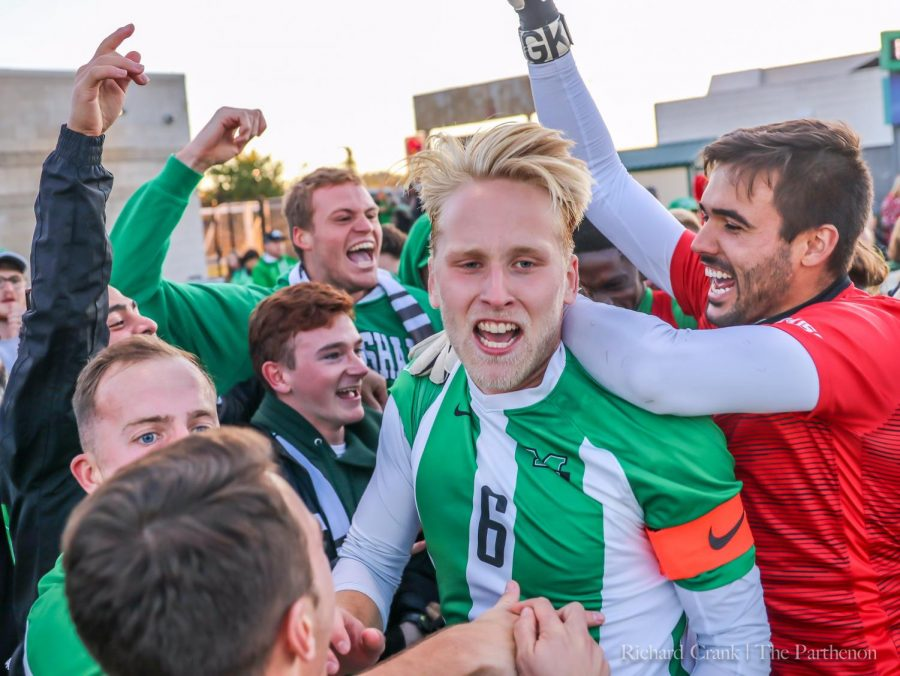 Herd+men%27s+soccer+celebrates+its+victory+over+Kentucky