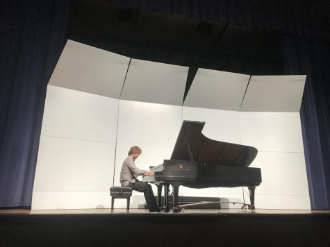 Award-winning professional pianist performs in recital at Smith Hall