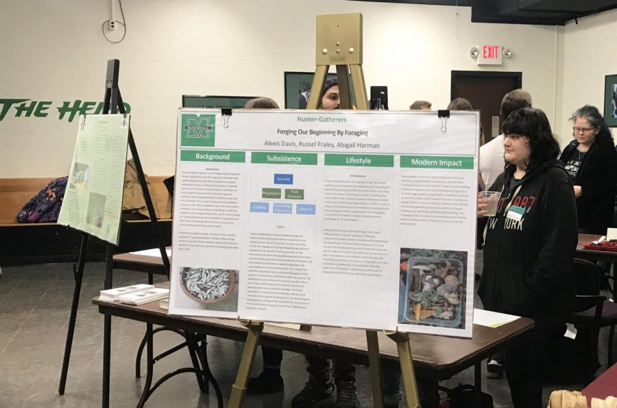 Students discuss food and environment during 'green' event
