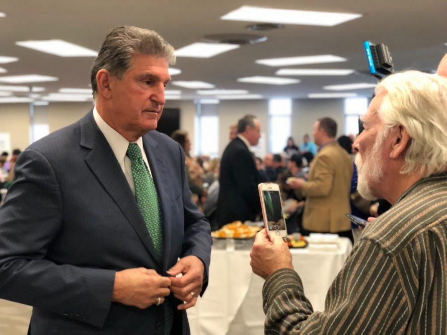 Sen.+Joe+Manchin+interacts+with+attendees+during+town+hall+Wednesday+at+Robert+C.+Byrd+Institute+in+Huntington.+