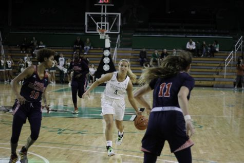 Freshman guard Savannah Wheeler dribbled the ball up the court against Florida Atlantic.