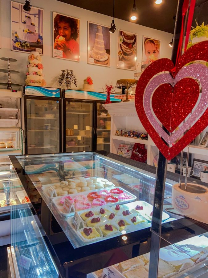 Local+bakery+debuting+a+Valentine%27s+cupcake