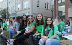 Marshall Hosts Homecoming Parade